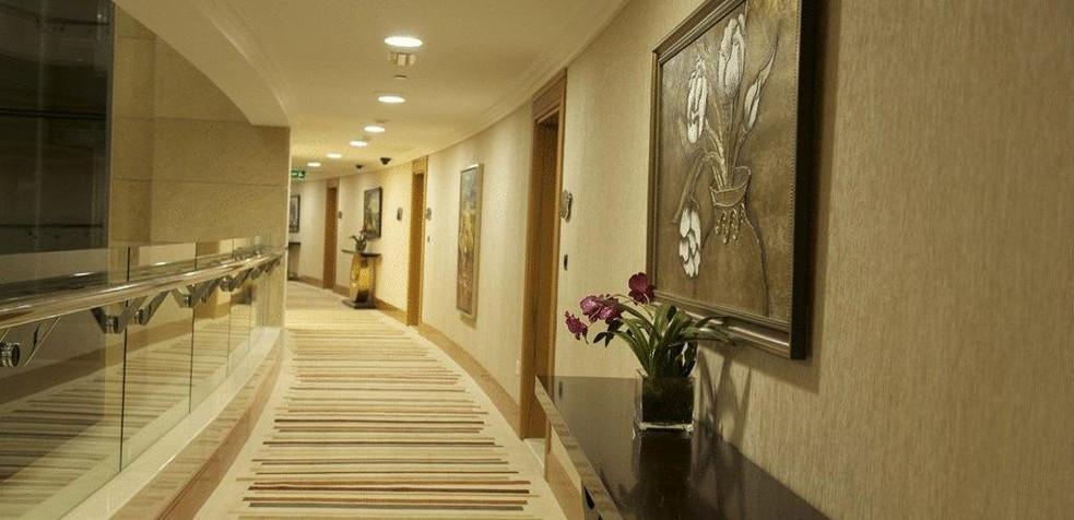Grand Bellevue Hotel Apartment Dubai 20.