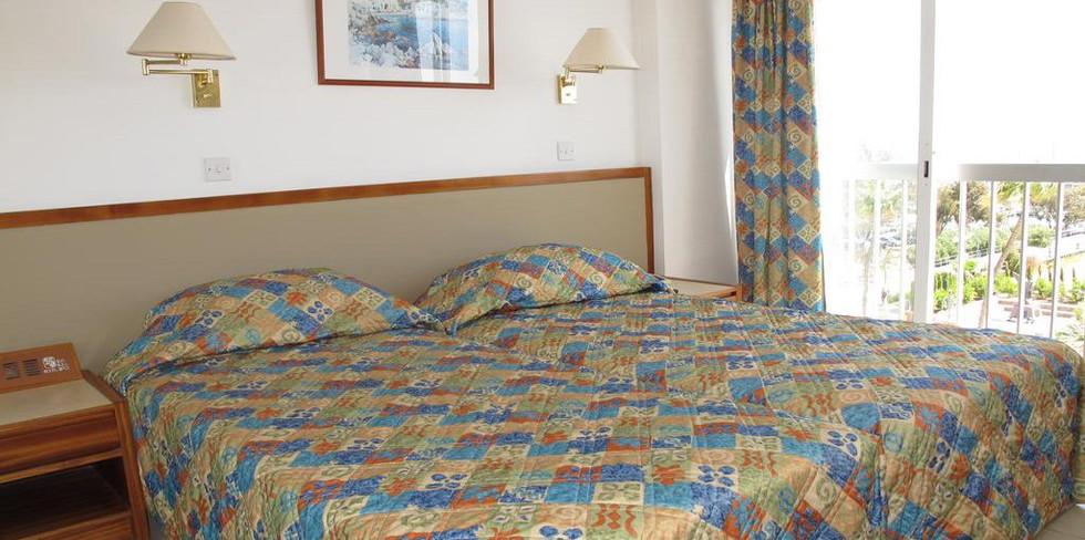 Sun Hall Beach Hotel & Apts 8.jpg