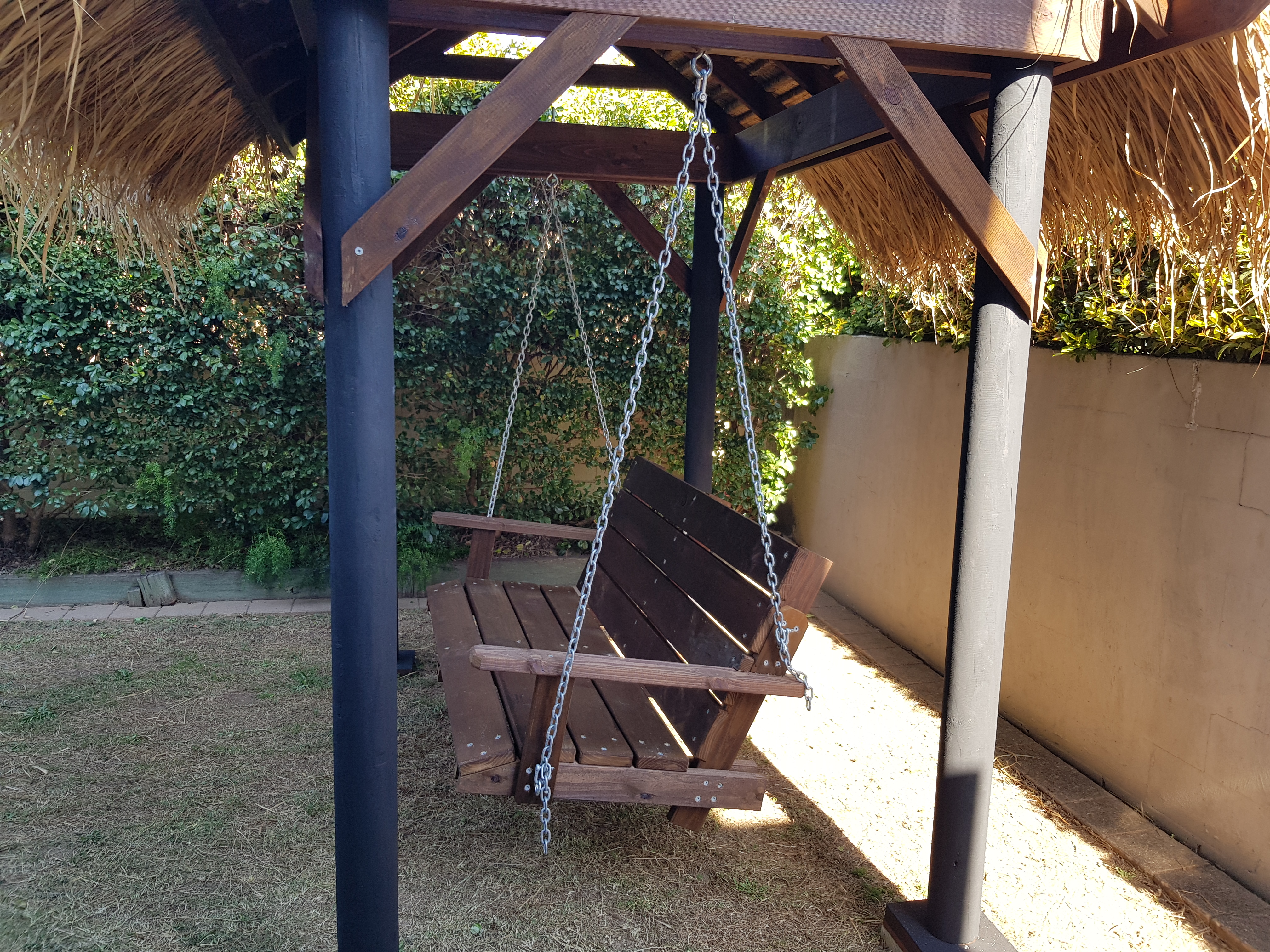 Bali Hut Swing Garden Set