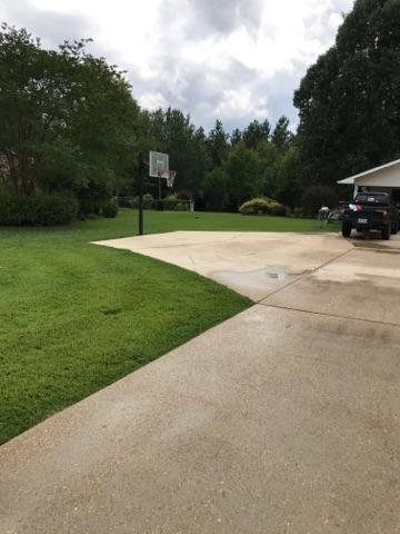 After pic of driveway cleaning