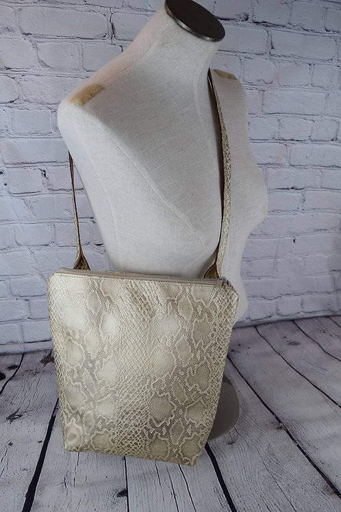 1516 Concealed Carry Gold Python Embossed Leather Purse