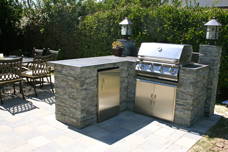 Outdoor dining - Northridge, CA