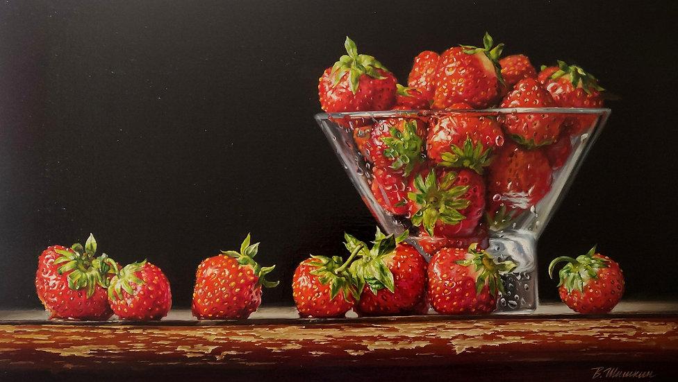Hyperrealistisch stilleven met aardbeien en glazen schaaltje - Valery Shishkin