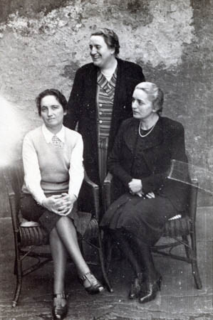 Suzanne's mother standing with her sisters