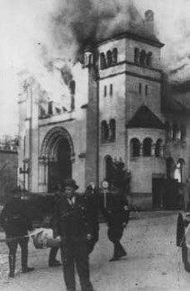 Burning synagogue, Kristallnacht, Essen, 9th November 1938