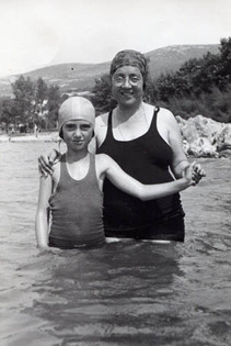 Margarete swimming with her mother in Crikvenica