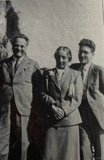 Francis with his parents