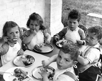Left to right Judith, Bela, Jack, Berli, Gadi at Bulldogs Bank, 1945