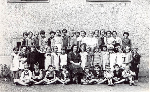 Second year of school in Maribor.  Margarete is third from right, back row