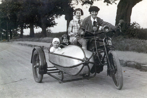 Paternal aunt Paula with uncle Kurt's wife Johanna and her children in the side car