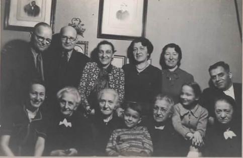 Rudi's extended family in Berlin, 1942
