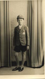 In Aryeh House school uniform, 1939