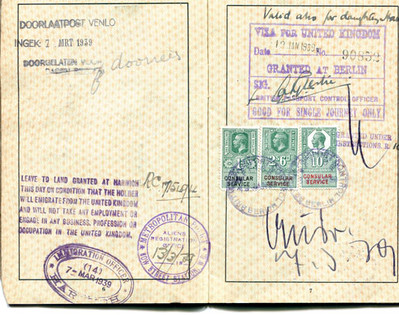 Mother's passport for leaving Germany - 'valid also for daughter Hanna'