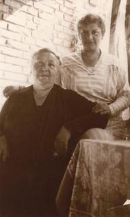 Oma Selma and Oma Else, 1934