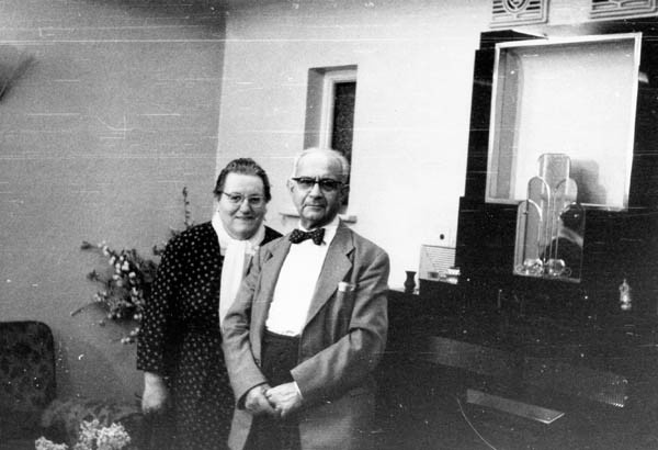 Suzanne's parents in later years
