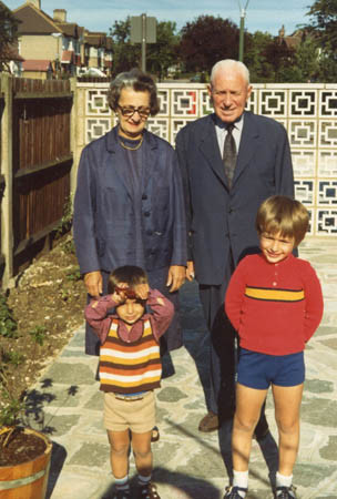 Janos' parents with the boys, 1973