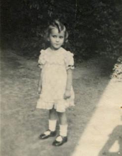 Charlottte, aged 3 in Vienna