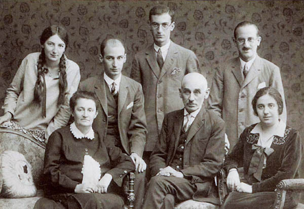 L-R Aunt Amely, Grandmother, Uncle Siegfried, Uncle Ernst, Grandfather, Uncle Norbert, Mother c. 1930