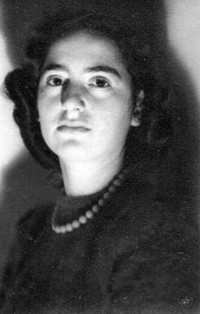 Margarete age 22 'My mother really liked this photograph and so did my husband'
