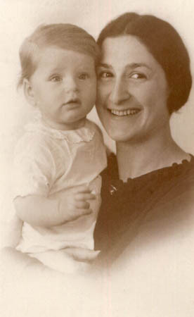 Hanna with her mother, April 1936