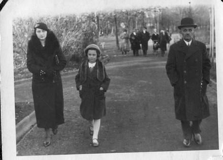 Berta with her parents