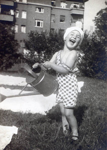 Suzanne as a young child in Frankfurt