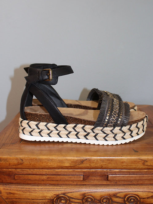 sphinx black sandals