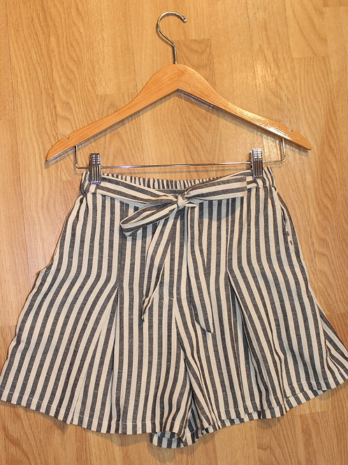 navy/cream striped shorts