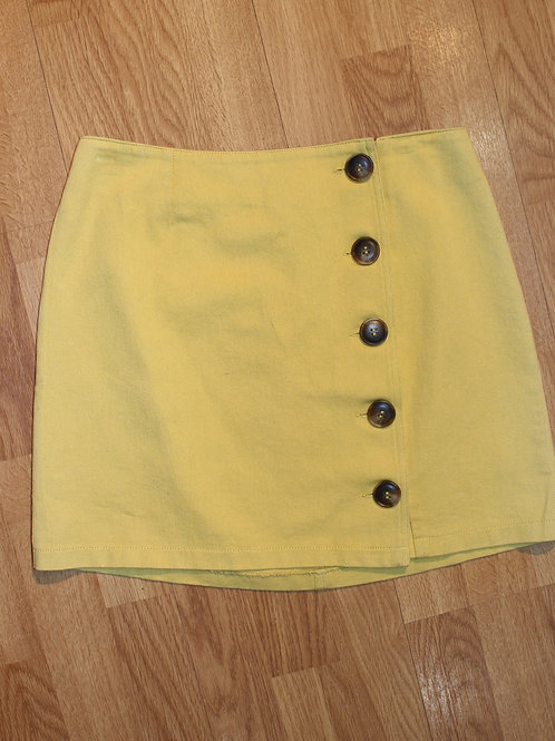 canary mini skirt with side buttons