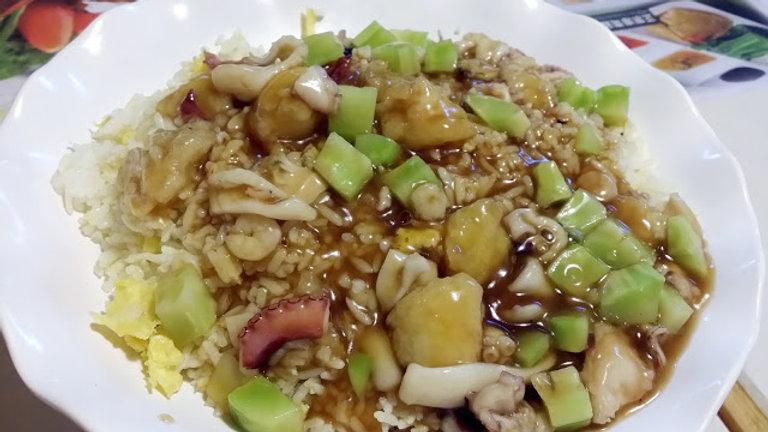 B10. 海皇炒飯配薑蔥鮑魚(2隻)