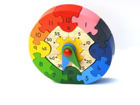 WOODEN TEACHING CLOCK PUZZLE WITH HOUR AND MINUTE HANDS