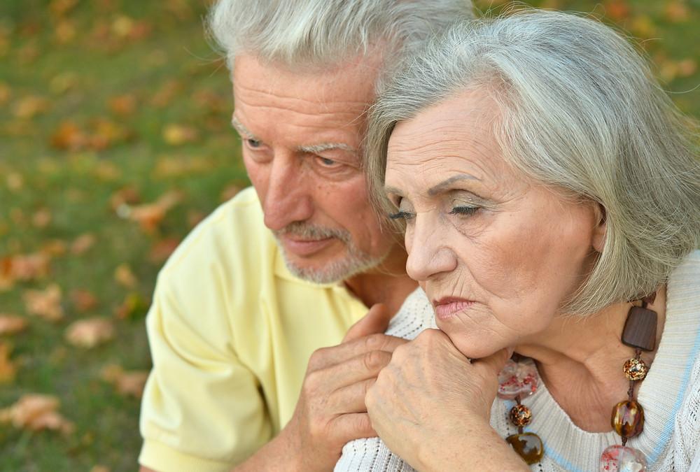 idosos-sofrem
