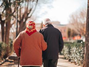 Caminhada para idosos: um ótimo exercício para envelhecer melhor