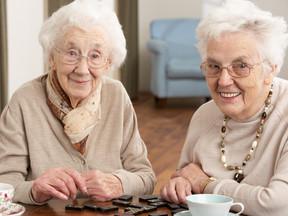 Cuidado de idosos: quando pais e filhos compartilham a terceira idade