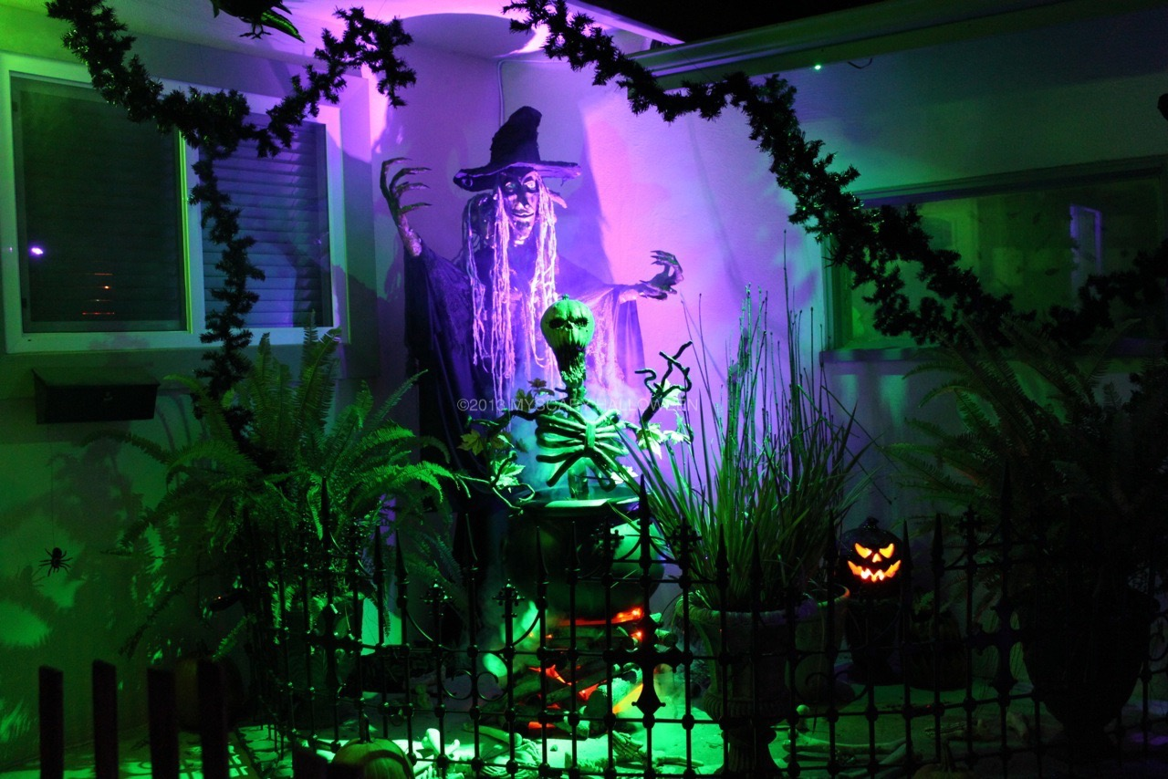 WitchingHour_2013_12