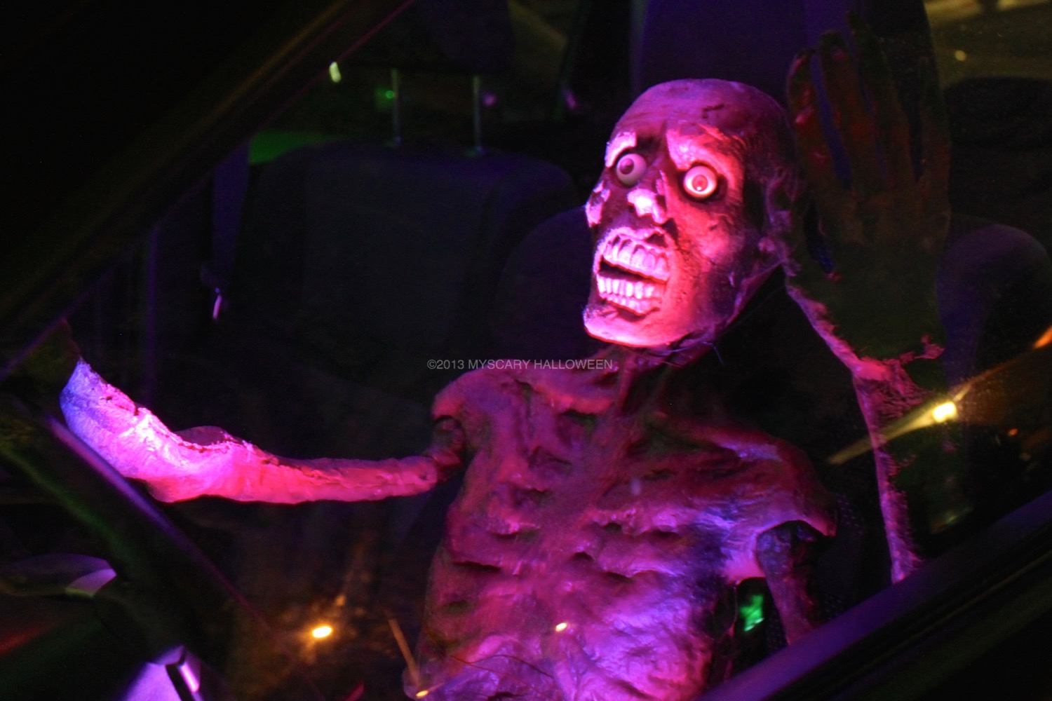 WitchingHour_2013_07