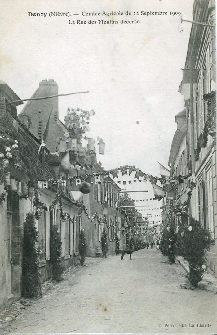 Donzy-comice-1909-la-rue-des-moulins