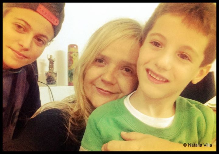 Alejandro llegó emocionado.jpg A mí me salió una lágrima y Rafa (7años), se emocionó conmigo.jpg Mom