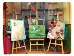 Escaparate de olorAMAR. _Como saben hacemos exposiciones con las obras de los alumnos y otros artist