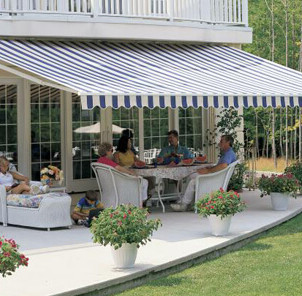 Classic awning with ocean wave valence