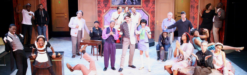 Cast and crew of La Puce à l'Oreille