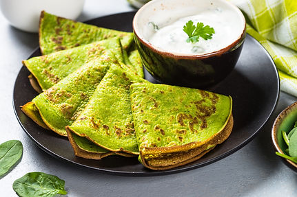 Spinach Pancakes with Cucumber Yogurt Di