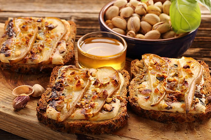 Grilled Blue Cheese with Pears & Pistach