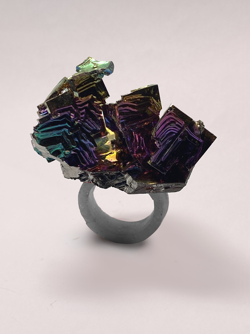 mixed media ring Osian Efnisien 2020 Bizmuth crystal, paper, resin   for sizes, prices, and availabilty please contact me at osianefnisien@hotmail.co.uk