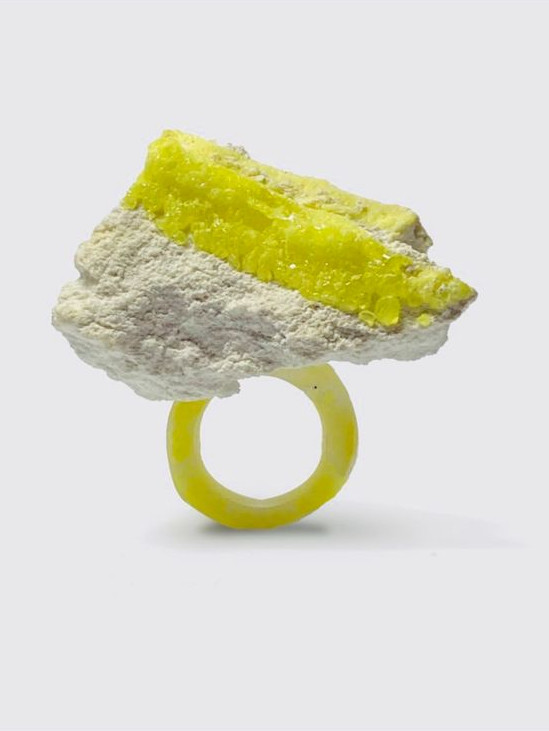 mixed media ring Osian Efnisien 2020 Sulphur, paper, resin  for sizes and availability please message me at osianefnisien@hotmail.co.uk