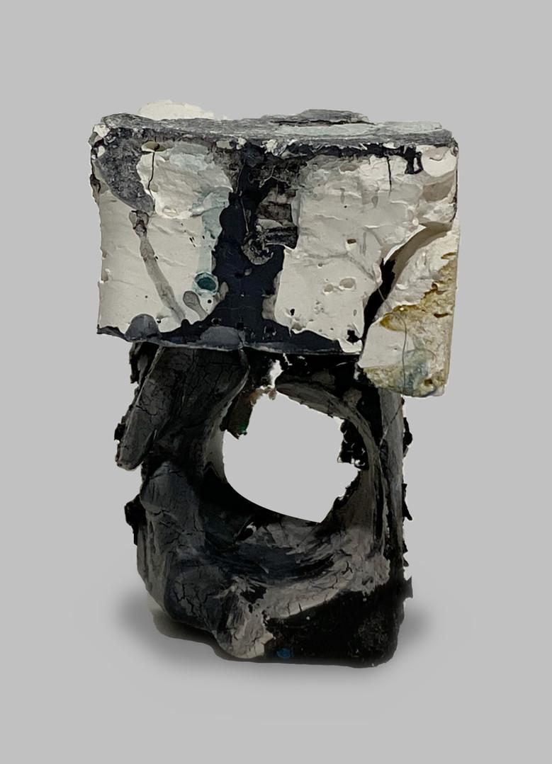 a ring made with Gouache and oil paint  fodrwydd wedi ei wneud a gwash ac paent olew.  am fwy o fanylion cysylltwch a osianefnisien@hotmail.co.uk