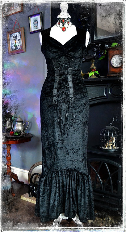 Vampire Lillith Gothic Vampire Gown