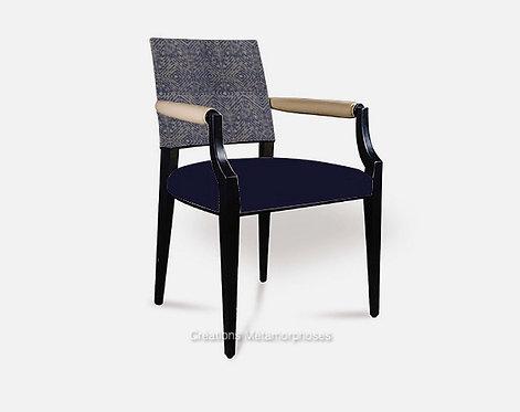 fauteuil bridge de salon, salle à manger avec imprimé géométrique et velours bleu