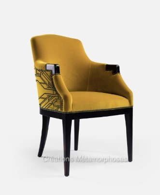 Fauteuil lounge avec personnalisation cadre Art Déco velours moutarde