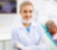 dentist-1-750x389 editado.jpg